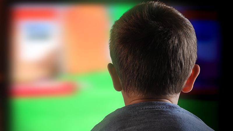 Enseña a tu hijo a ver la televisión