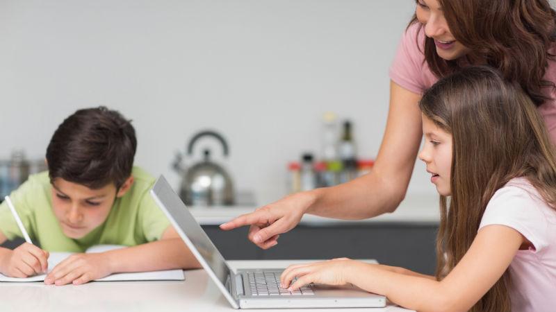 Consejos para ayudar a tus hijos con los deberes