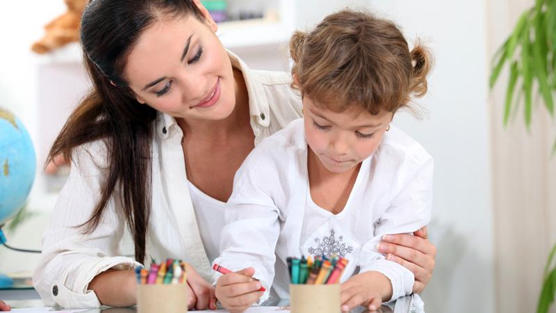 Consejos para encontrar a la niñera perfecta para tus hijos