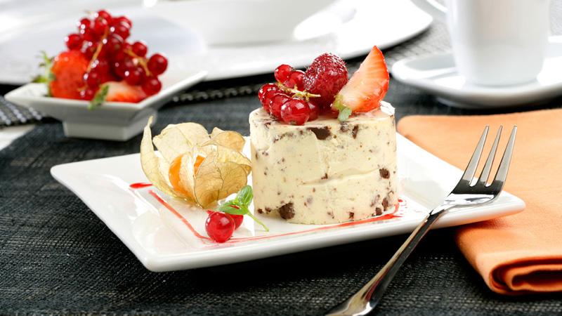Crema de mascarpone con frutas y chocolate