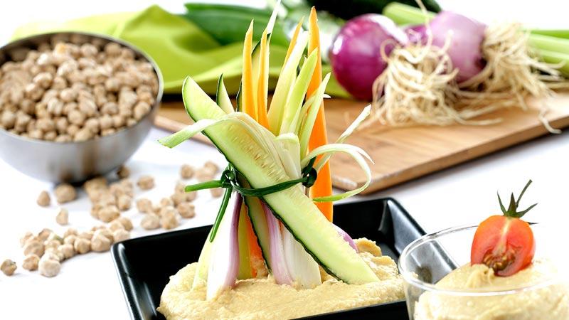 Hummus con guarnición de hortalizas