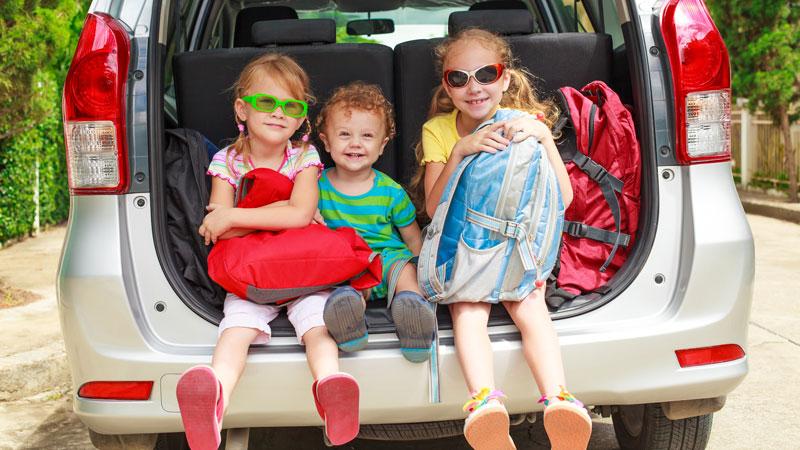 Juegos divertidos para viajar con niños en el coche
