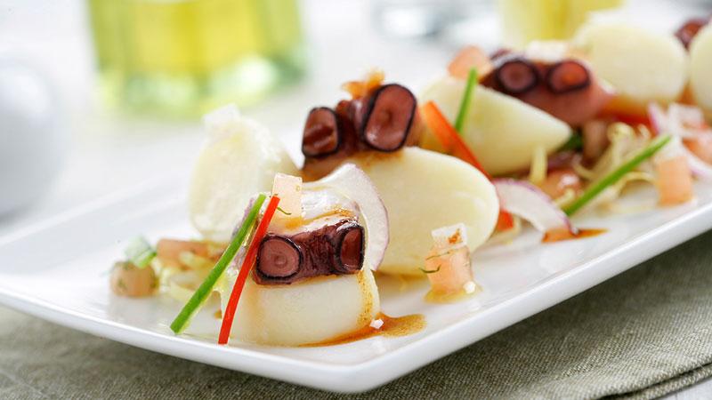 Ensalada de patatas y pulpo