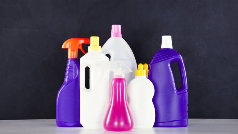 Ocho productos imprescindibles en la limpieza del hogar