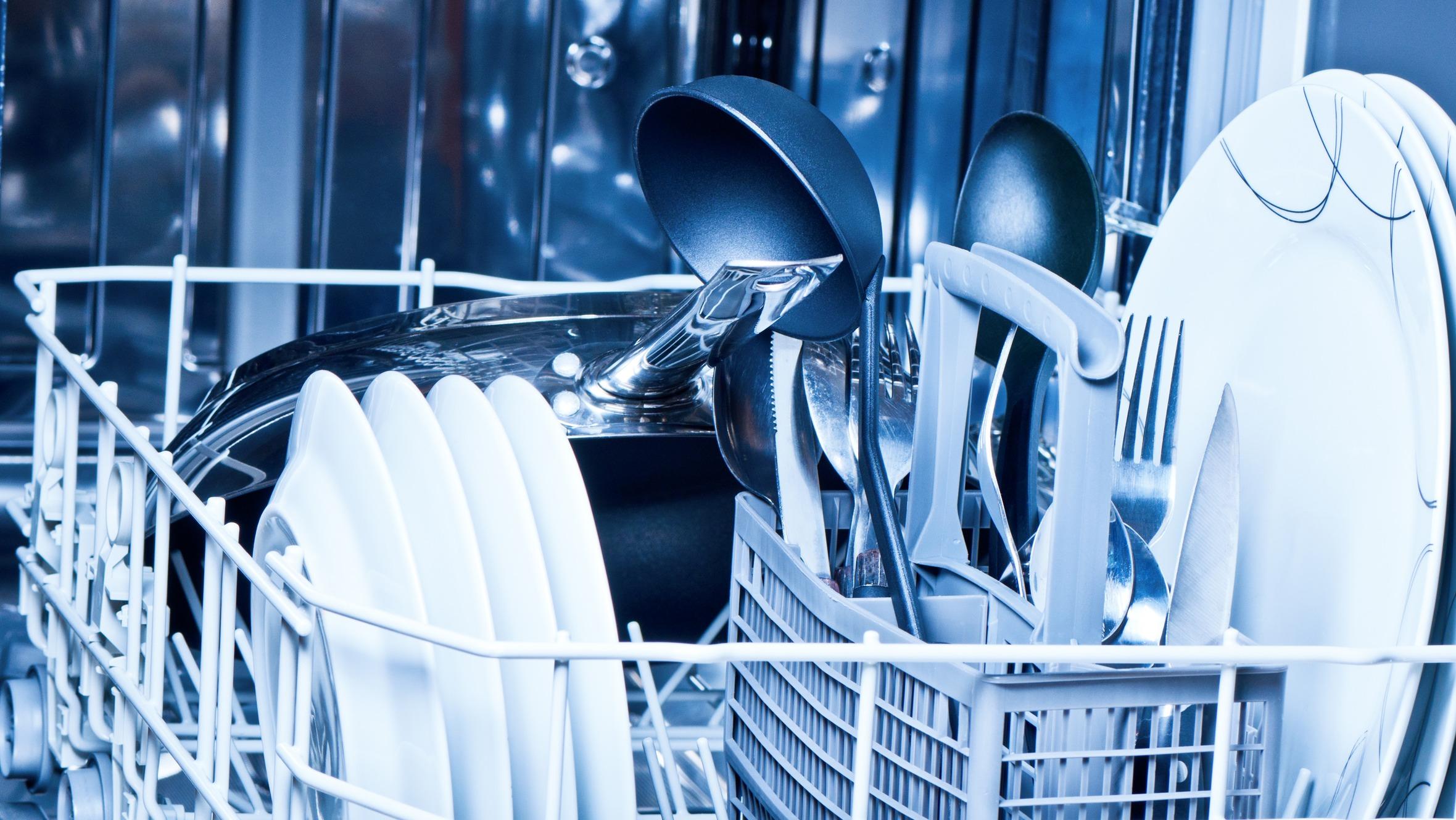 Diez cosas que no se deben meter en el lavavajillas