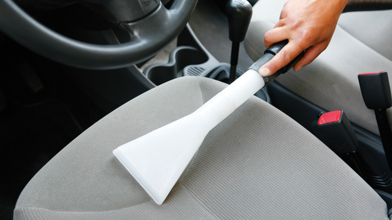 Cómo limpiar la tapicería del coche