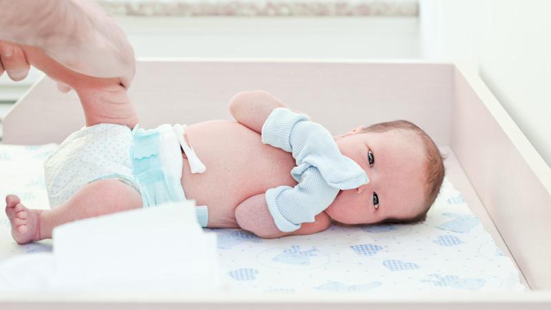 Lista de la canastilla del recién nacido para el hospital