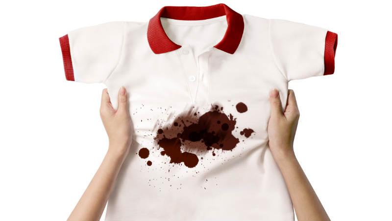 Cómo eliminar manchas de chocolate de la ropa