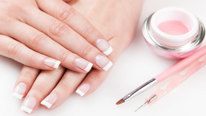 Consigue unas uñas perfecta con esta manicura paso a paso