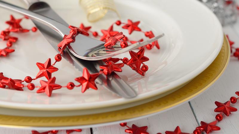 Ideas baratas para decorar la mesa en navidad flota - Vajilla de navidad ...