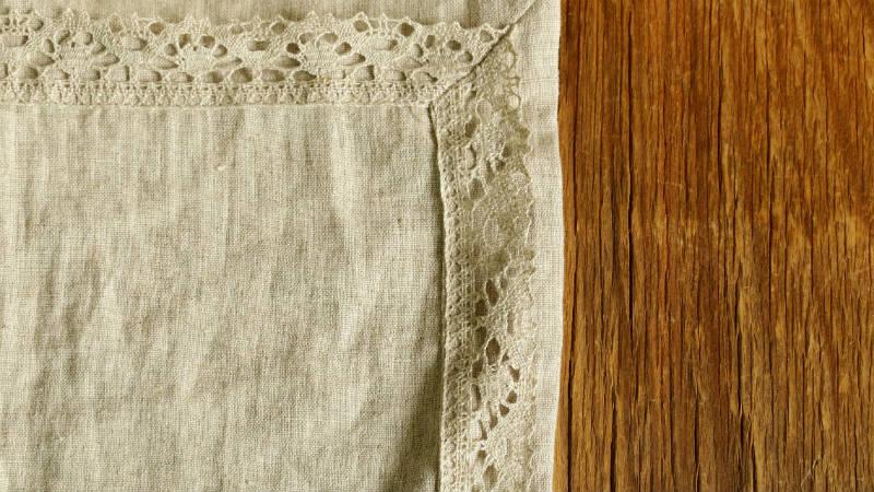 Cómo limpiar manchas antiguas del mantel
