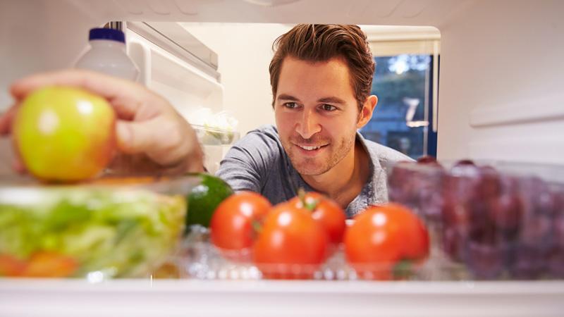 Diez alimentos que no debes guardar en la nevera