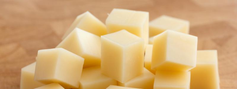 El queso no se deben guardar en la nevera
