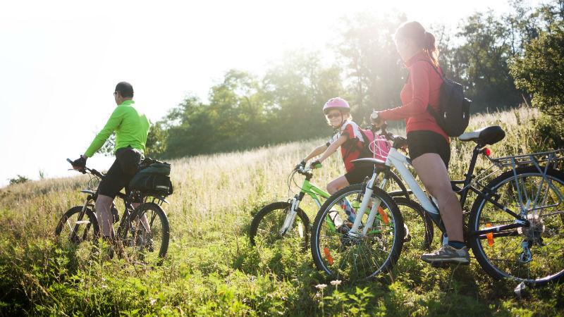 Cinco ideas para practicar deporte con tus hijos