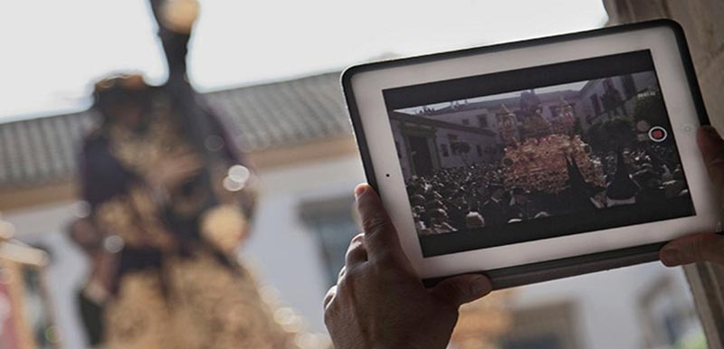 Seis aplicaciones imprescindibles para la Semana Santa de 2015