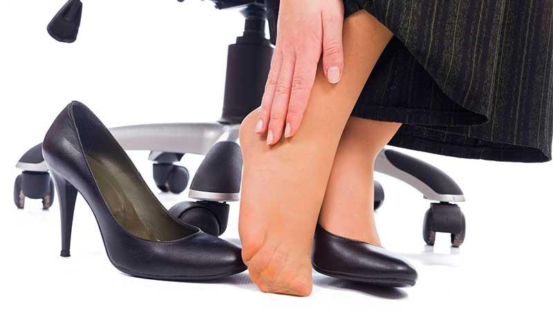 Trucos para evitar el dolor de pies con los tacones