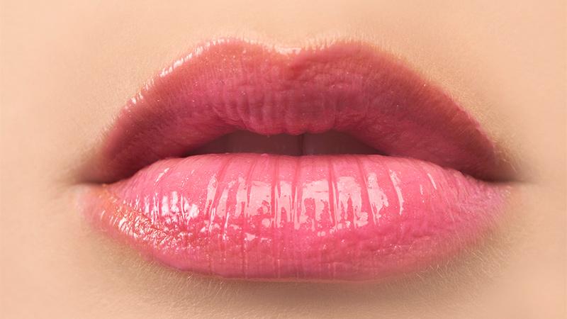 Cinco trucos de maquillaje para lucir unos labios más gruesos