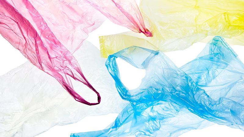 Ideas para organizar las bolsas de plástico en casa
