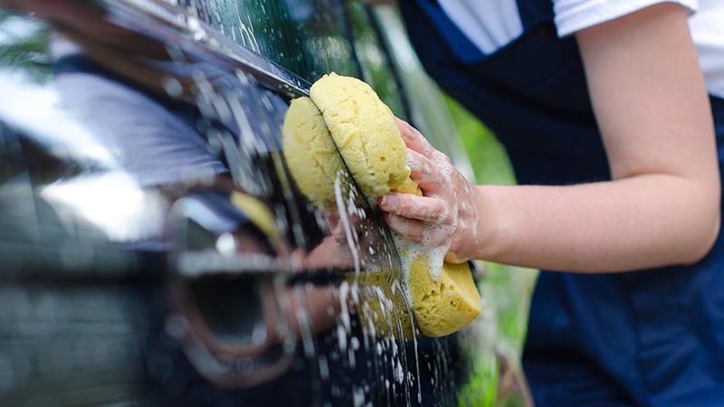 Cómo lavar la carrocería del coche