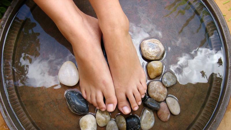 Remedios para el sudor y el mal olor de pies