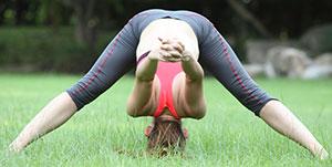 Estiramiento yoga hombro