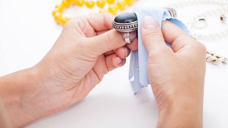 Cómo limpiar objetos de plata