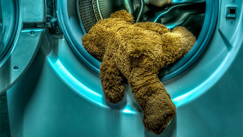 Diez cosas que no sabías que se pueden lavar en la lavadora