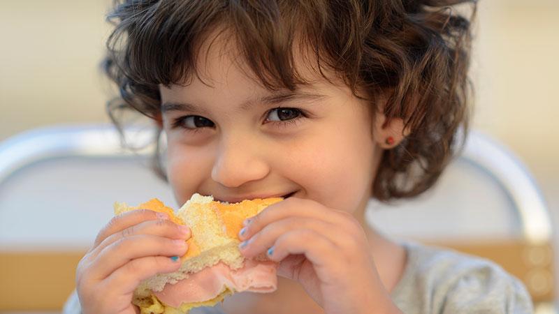 Cómo preparar una merienda sana para tus hijos