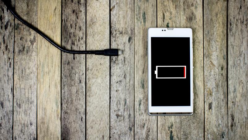 Errores que acaban con la batería de tu móvil
