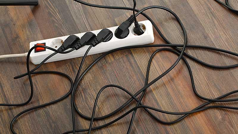 Cómo organizar cables en casa