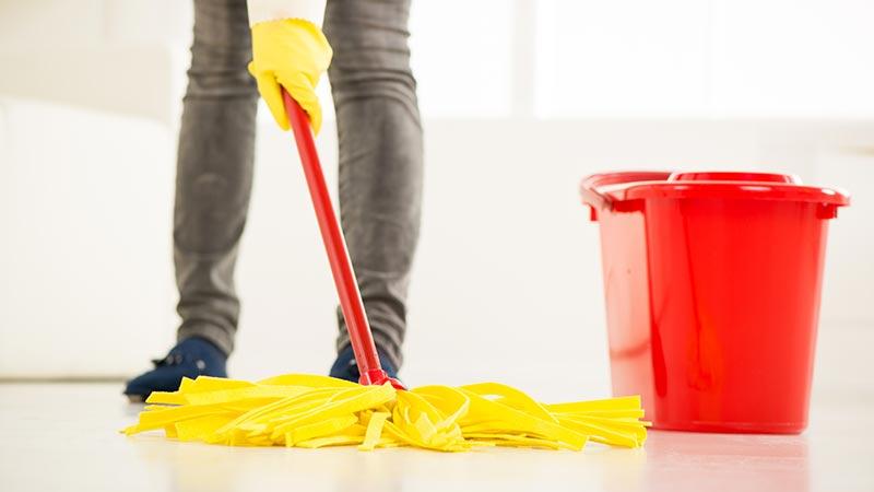 Cómo mantener la fregona limpia