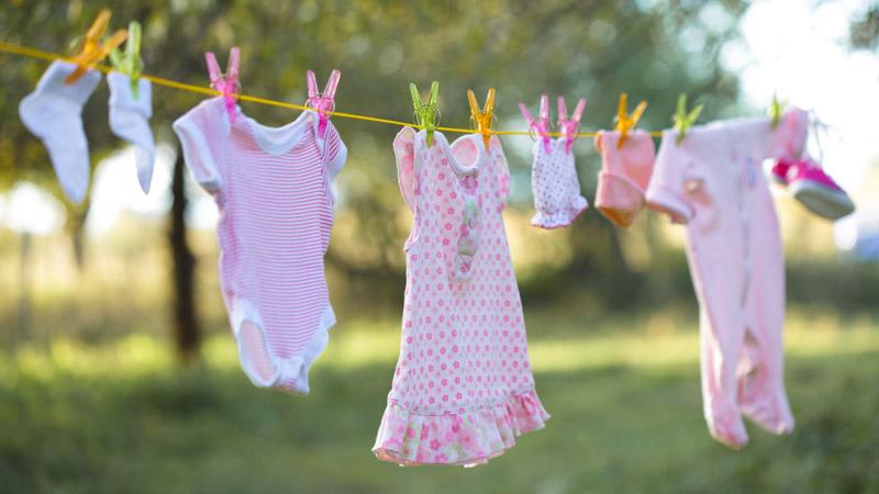 lavar la ropa de bebe