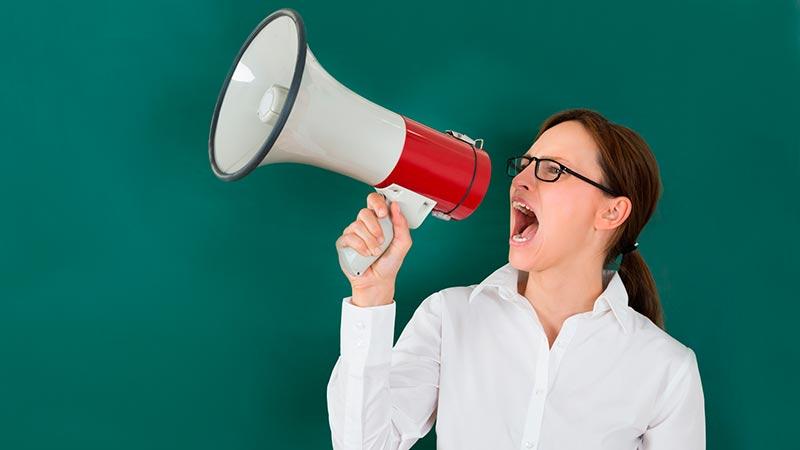 Cómo cuidar la voz: consejos para evitar la afonía