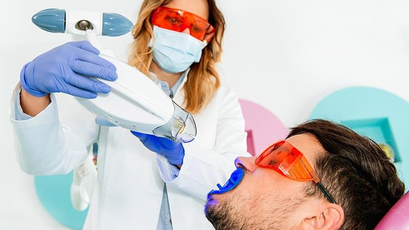 blanqueamiento-dental-laser-led