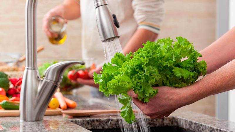 Siete consejos para cuidar la higiene alimentaria en la cocina