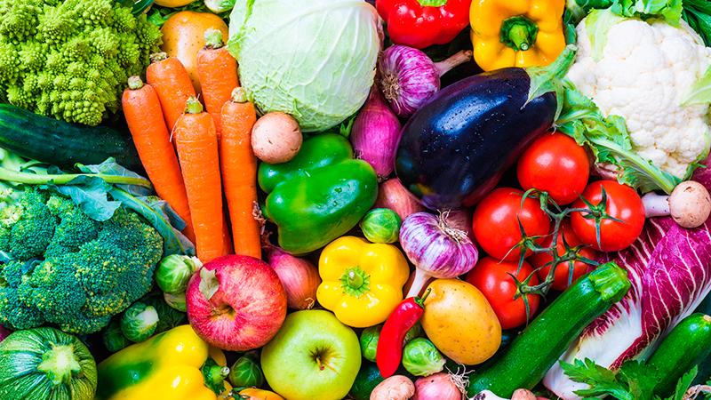 Trucos para limpiar restos de pesticidas de frutas y verduras