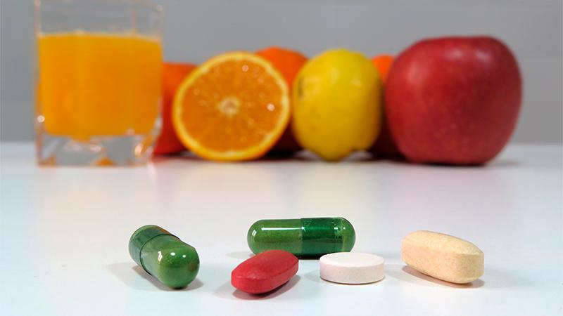 Suplementos naturales y vitaminas apropiados para el otoño
