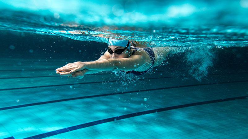 Ocho beneficios para la salud de practicar natación