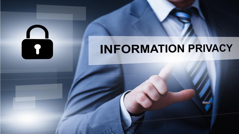 Qué información debes evitar publicar en redes sociales