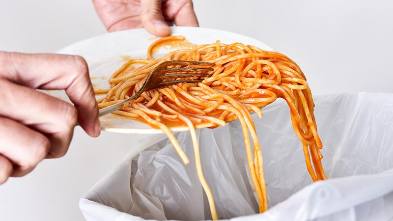 Trucos para evitar tirar comida en casa