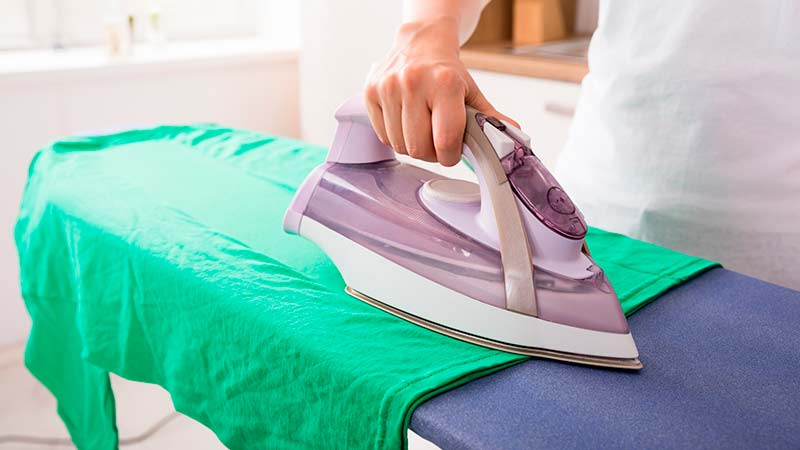 Resultado de imagen para planchando ropa