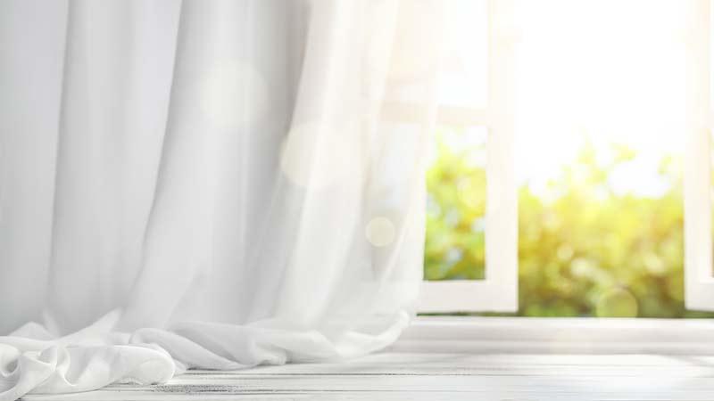 Cómo lavar cortinas: trucos y consejos