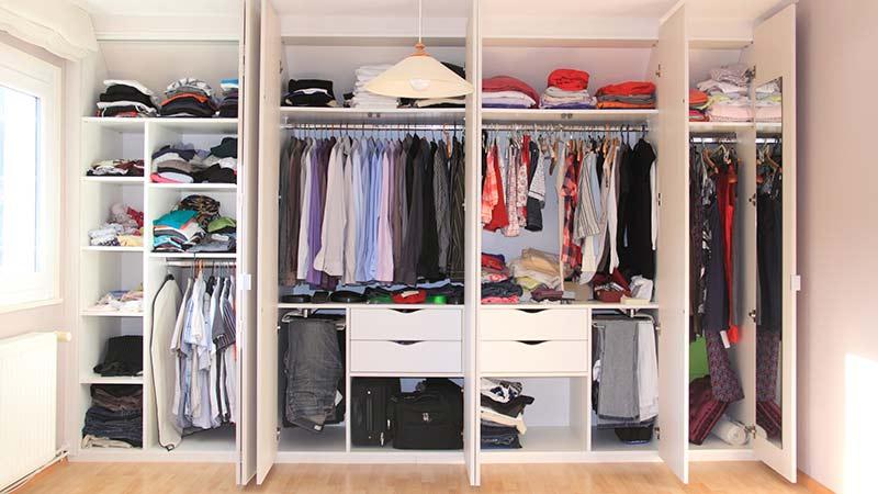 Cómo organizar tu armario en 10 pasos