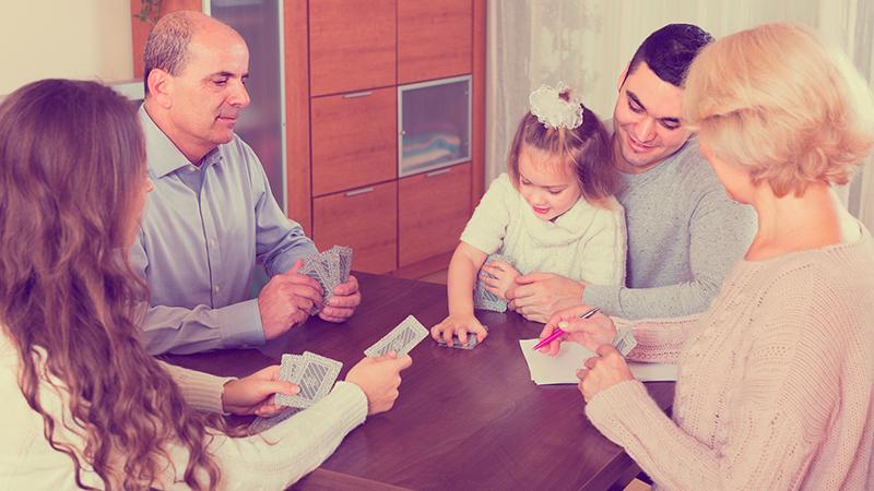 Juegos de cartas fáciles para jugar con los niños