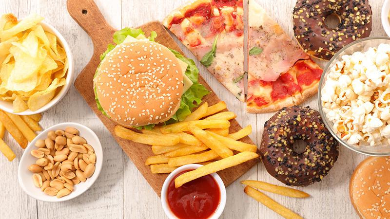 Cómo reducir la sal, el azúcar y las grasas en la dieta