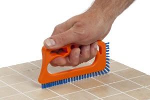 Diez artilugios de limpieza ingeniosos y baratos: cepillo para juntas