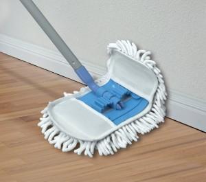 Diez artilugios de limpieza ingeniosos y baratos: mopa flexible
