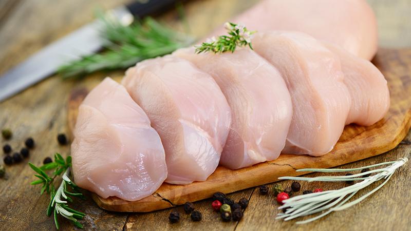 Cómo obtener los mejores nutrientes de una pechuga de pollo