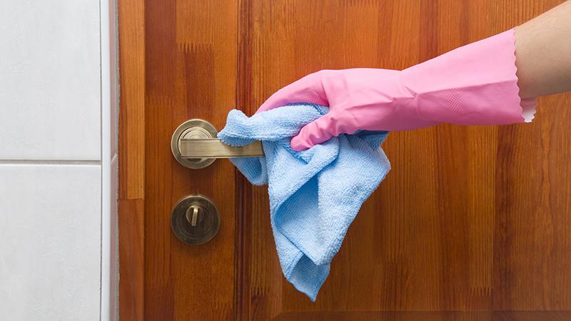 Diez objetos repugnantes de casa que estás olvidando limpiar