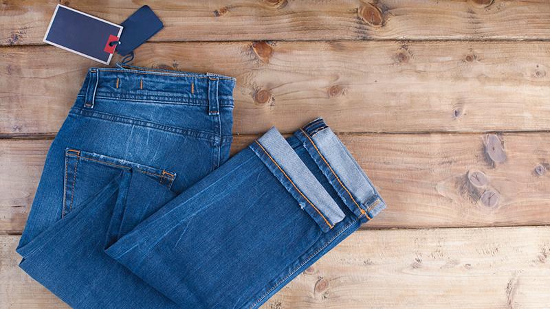 ¿Por qué debemos lavar la ropa nueva antes de usarla?